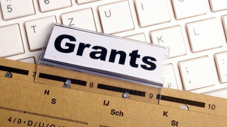 Молодежь Мурманской области может получить гранты